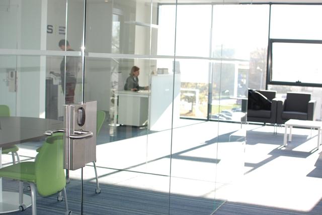 Elektronine spyna stiklo durims
